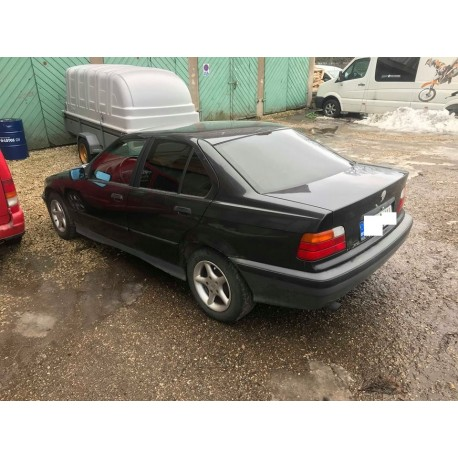 BMW 318i 83kw sedaan